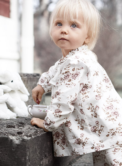 6a52570e Baby- & barneklær fra Newbie som er designet med ekstra omtanke - mykt,  tidløst & omfavnende.